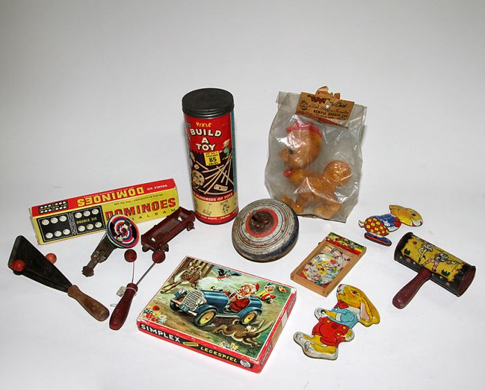 Don Squibb Estate Auction,Toys,Candy Containers, Games. Chocolate  Molds, Advertising Dolls plus much more. - 169_1.jpg